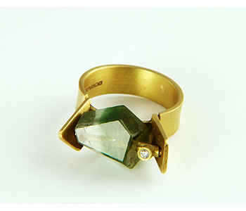Daphne Krinos - Ring in 18ct yellow gold set with a nugget shaped bi-colour faceted tourmaline and a diamond £2280