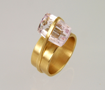 "Silke Spitzer - ""Backpack"" FlourishRing in 18ct yellow gold with pink kunzite £2100"