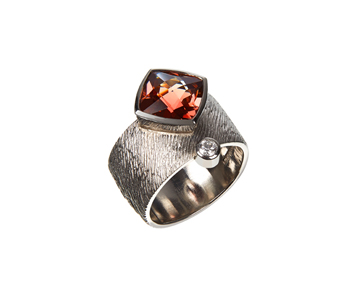 Ring in palladium set with a tourmaline and a diamond