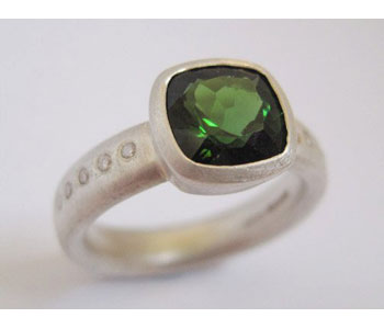 Ring in silver and 22ct gold set with tourmaline