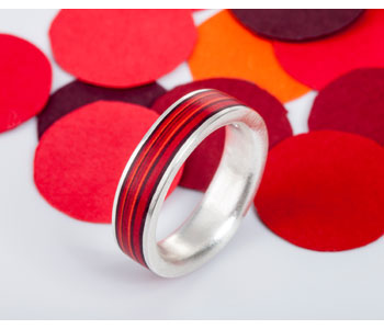Red paper ring in silver