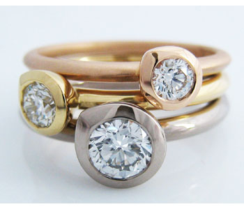 Rings in rose, yellow and white gold with diamonds
