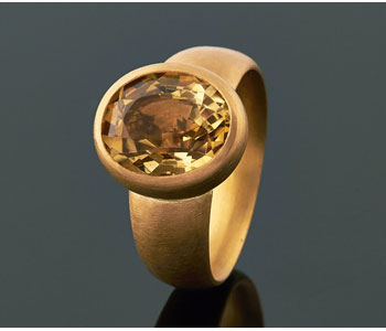 Ring in 22ct gold set with antique citrine
