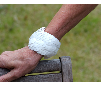 'Catching Big Fish' white bracelet in recycled plastic and thread