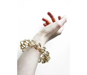 'Articulation' expanding bracelet in silver and gold plated silver