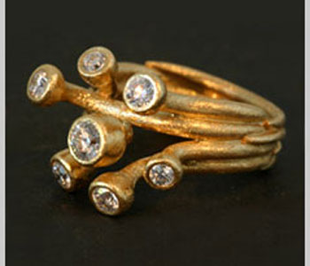 'Large Branch' ring in 18ct gold with diamonds