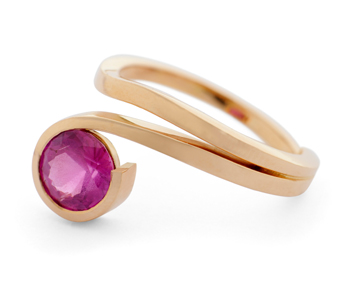 18ct rose gold and ruby ring