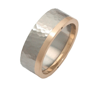 Ring in riveted steel and 9ct gold