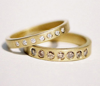 Rings in 18ct gold set with diamonds