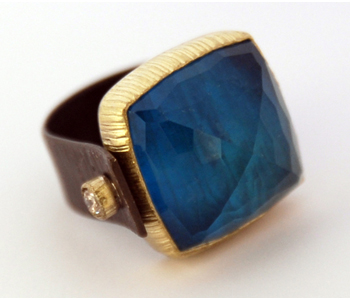 Ring in silver and 18ct gold set with a crystal and apatite doublet and brown diamonds
