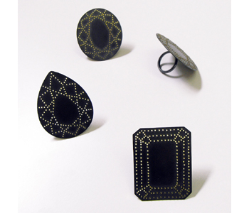 http://www.kathlibbertjewellery.co.uk/optimised-images/matters%20of%20life%20and%20death/gem_ring_group.jpg