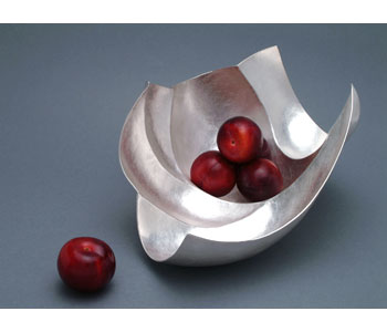 Large square fruit bowl in fine silver