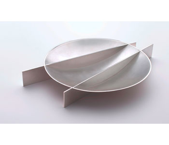 Serving dish in fine silver